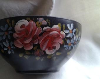 Hand Painted Bakelite Vintage Bowls.