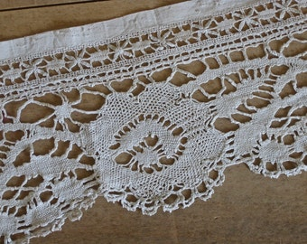 Wide lace - 2 meters of old white lace on linen band