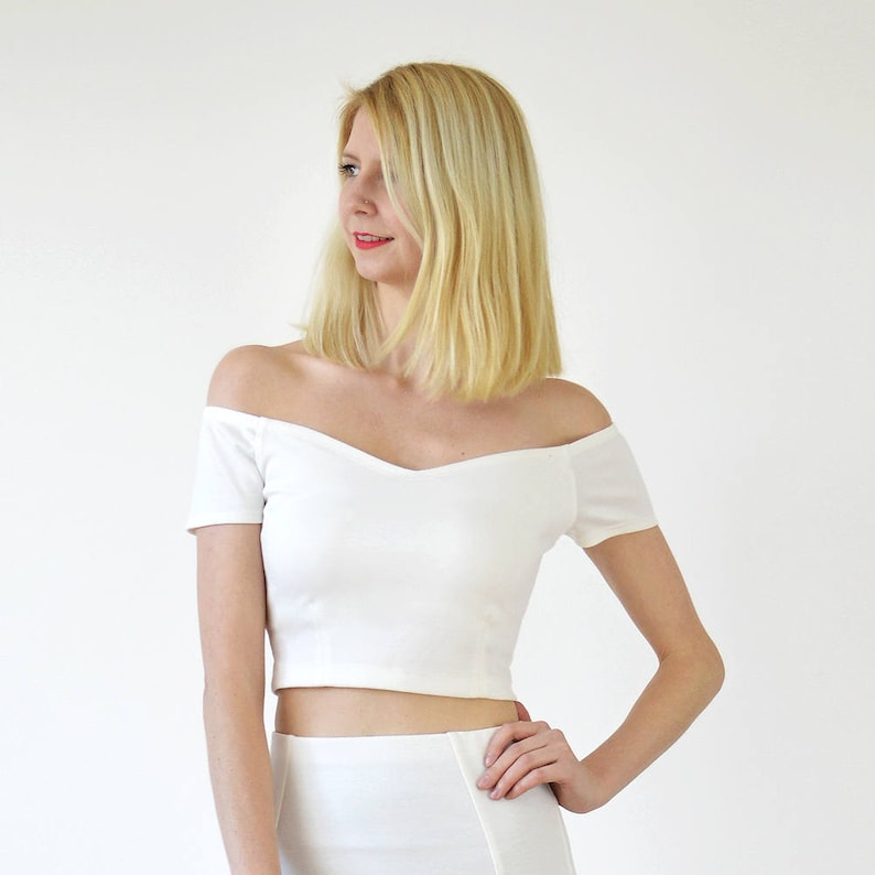 549d7bbc4461a Womens Summer Off Shoulder Fitted Crop Top in White. Strapless