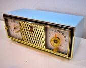 Diamond Blue and Gold Mid Century Vintage 1960 Zenith The Saxony Model C520B AM Vacuum Tube Clock Radio Opulent Looks Sounds Primo