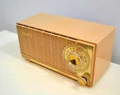 Beige Bombshell Dual Speaker 1960 General Electric Model T-141A Tube Radio Don 39 t Judge A Book By Its Cover