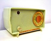 Julep Green Mid Century Retro Vintage 1956 RCA Victor Model 6-X-7 AM Tube Radio Excellent Condition