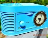 PERIWINKLE Blue Golden Age Art Deco 1948 Plymouth Model 1600 AM Tube Clock Radio Totally Restored