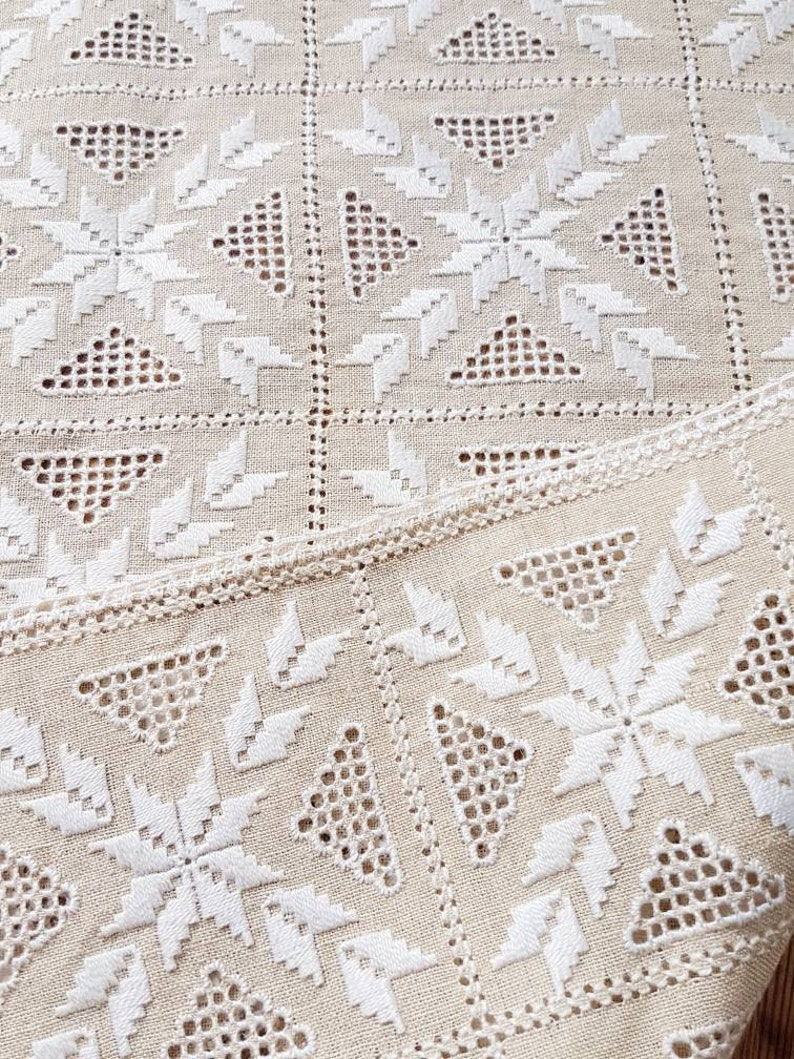 Beautiful openlace embroidered offwhitebeige tablerunner from Sweden