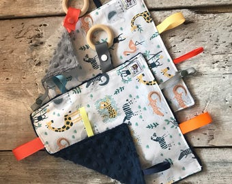 Jungle animals baby 'Rikiki' blanket, minky blankie, ribbons, pacifier or toy holder, unicorn blanket, grey or navy minky on the back side