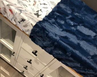 crib sheet for changing mat, big flowers and faux fur