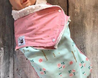 Small cocoon, Sleeping bag, sleep bag, swaddling blanket, Newborn (0-3 months) vintage flowers, soft ivory interior