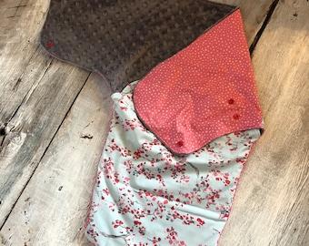 Small cocoon, Sleeping bag, sleep bag, swaddling blanket, Newborn (0-3 months) bears and arrows, soft black interior