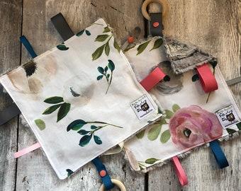 Baby Little toy blanket, romantic flowers,  blankie. ribbons blanket. Fake fur on the back side