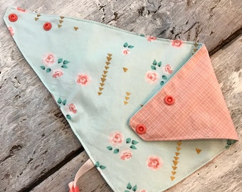 reversible and waterproof bandana bib, vintage flowers and coral