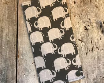 Health book, elephant grey, inside grey with white dots (the direction of the fabric may vary)