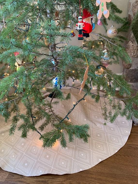 Elegant Christmas Tree Skirts.Elegant Handmade Christmas Tree Skirt