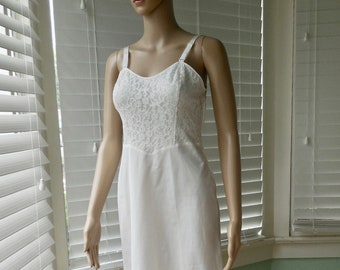 Lovely Vintage Nylon Slip By Wonder Maid Sz 36 Orders Are Welcome. Clothing, Shoes & Accessories Women's Clothing