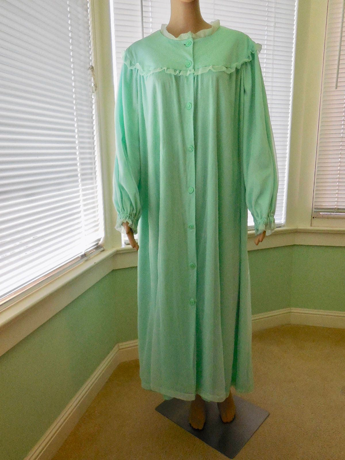 9e98c35589652 Vintage CHIFFON ROBE 50s Chiffon House Robe Peignoir Chiffon