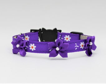 Purple flower Couture Cat/Kitten Collar, Breakaway collars, Kitten collar, Purple daisy Cat collar, Couture Cat Collar, Fancy Cat collars,