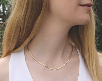 Gold Herringbone Layering Necklace // Snake Choker Necklace // Dainty Minimal Necklace // Everyday Jewelry // Layering Chain // Trendy Gift
