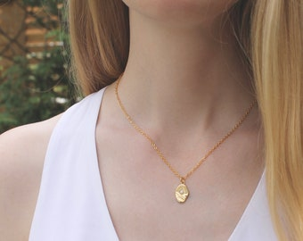 Opal Gold Disc Necklace // Stone Necklace // Opal Birthstone Minimal Necklace // Layering Necklace // Simple Everyday Jewelry // Friend Gift