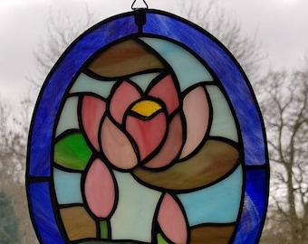 Stained Glass oval Water lillies Window display Suncatcher