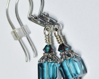 Earrings Swarovski Cube - Light Turquoise - Bali Silver Wires