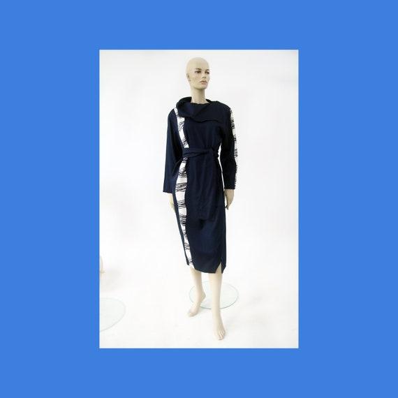 Vintage Marimekko dark blue and white dress / Mari