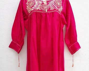 Mexican Peasant Blouse Hand Embroidery from Chiapas S