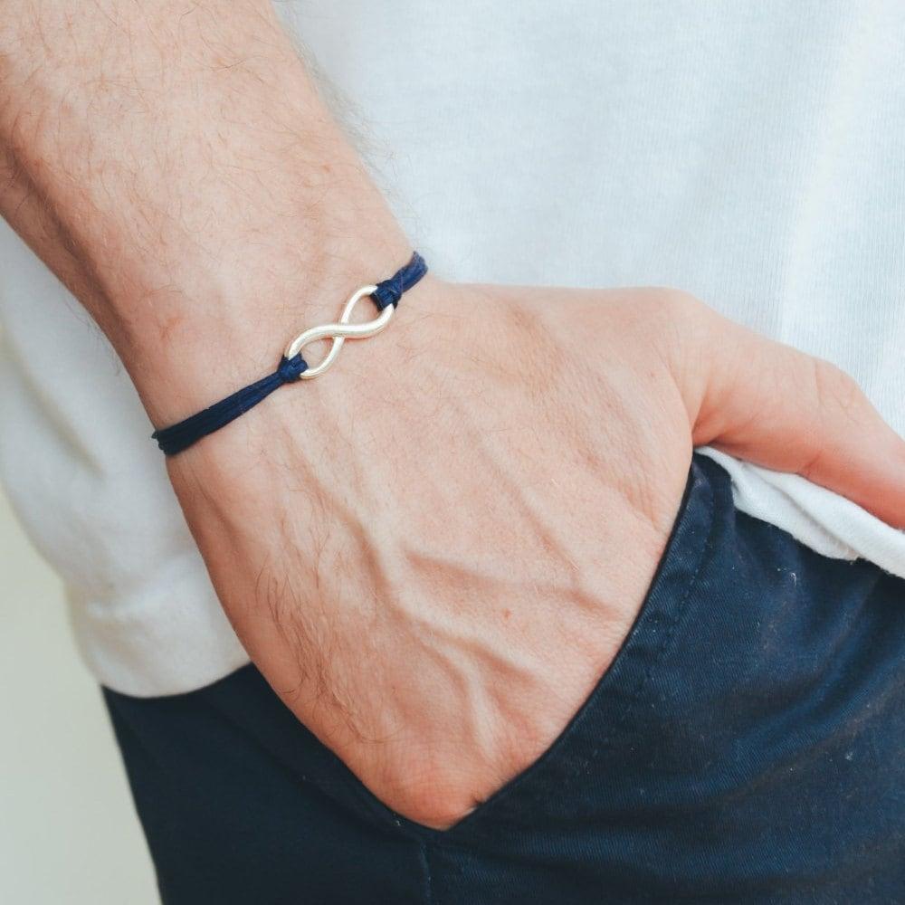 infinity armband f r m nner blaue kordel herren armband etsy. Black Bedroom Furniture Sets. Home Design Ideas