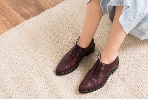 Chaussures Oxford en cuir rouge à la main pour pour pour les femmes, Alex  livraison gratuite | La Fabrication Habile  15ebcc
