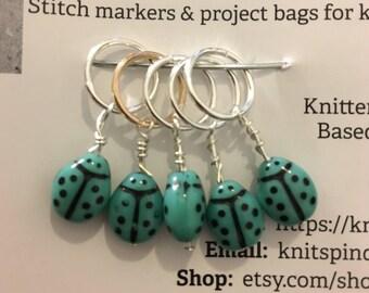 Snag free ladybug / ladybird knitting stitch markers (stitchmarkers) -- Czech glass beads