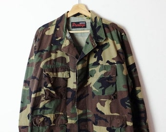 341d85132ccab ON SALE Vintage US Military /Army Camo/Camouflage Shirt /Field Jacket