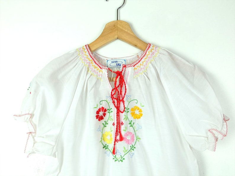 ON SALE Vintage Hand Made Floral Embroidered Short Sleeve Tunic BlouseDead StockWomen/'s XS-S