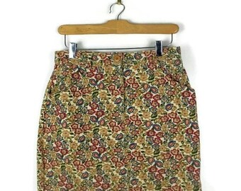 ON SALE Vintage Floral printed Mini Skirt from 1980's/W27