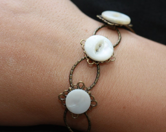 Vintage Mother of Pearl Shell Button and Antiqued Bronze Filigree Link Bracelet, Antique Shell Button Link Bracelet
