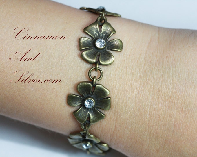 Antiqued Brass and Rhinestone Flower Daisy Chain Bracelet,  Brass Flower Link Bracelet, Daisy Chain Bracelet, Brass Flower Sparkle Bracelet