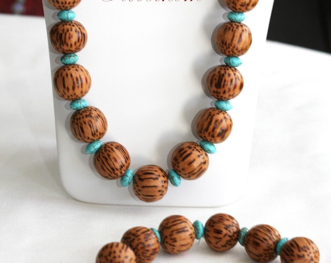 Vintage 60s and 70s Wood Bead and Turquoise Necklace and Stretch Bracelet Jewelry Set, Blue Tribal Beaded Necklace and Bracelet Jewelry Set