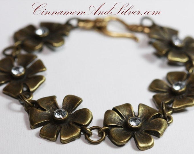 Rhinestone Flower and Antiqued Bronze Daisy Chain Bracelet,  Brass Flower Link Bracelet, Daisy Chain Bracelet, Brass Flower Sparkle Bracelet