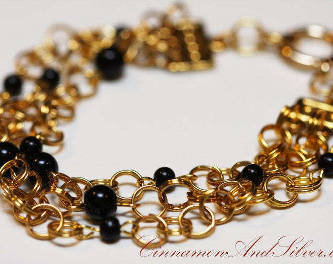 Vintage 60s-70s Style Black and Gold Bead and Jump Ring Chain Bracelet, Classy Art Deco Black and Gold Beaded Chain Bracelet