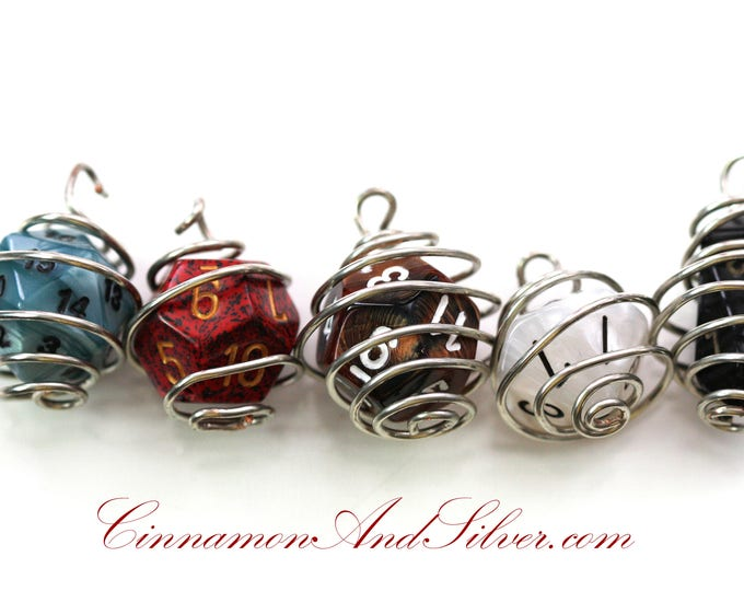 Wire Wrapped D20 Unisex Gamer Dice, Caged Gamer Dice, Caged D&D Dice, D20 Dice Pendants, Dice Charm, D20 Dice Keychain, D20 Dice Zipper Pull