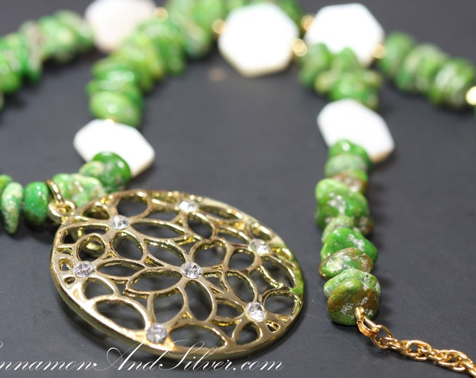 Vintage Apple Green Magnesite Gemstone and Mother of Pearl Shell Beaded Pendant Statement Necklace, Green and Gold Gemstone Beaded Necklace