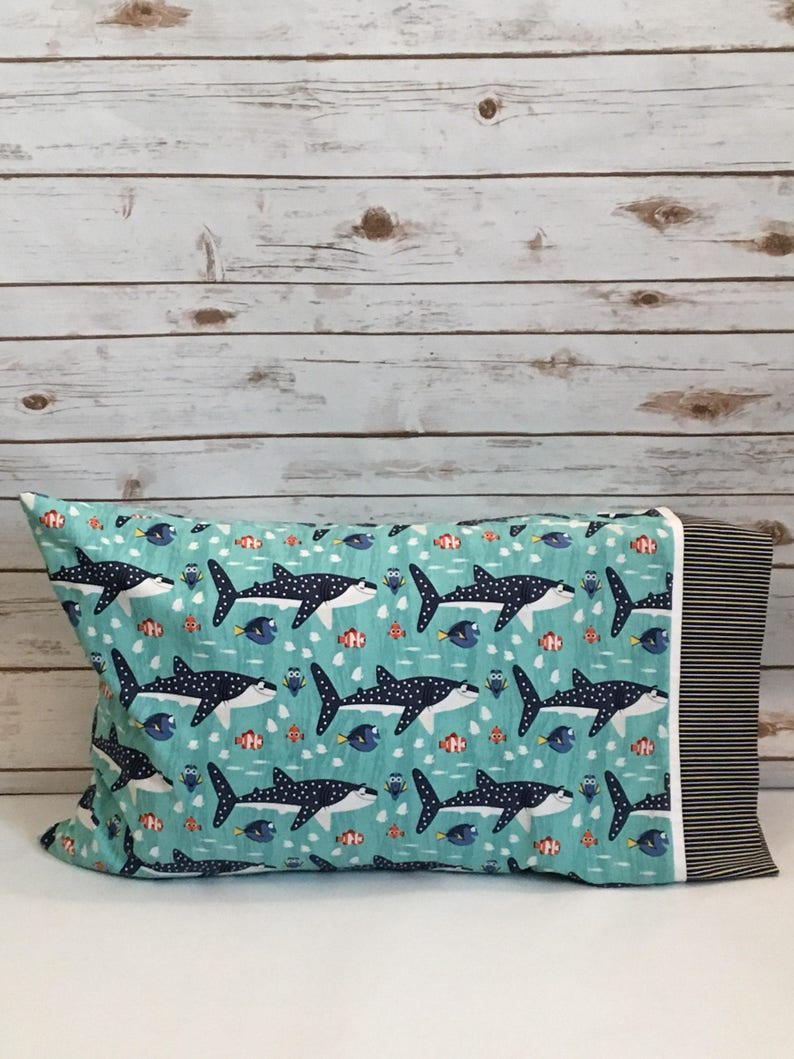 Finding Dory pillowcase and throw pillows gift set