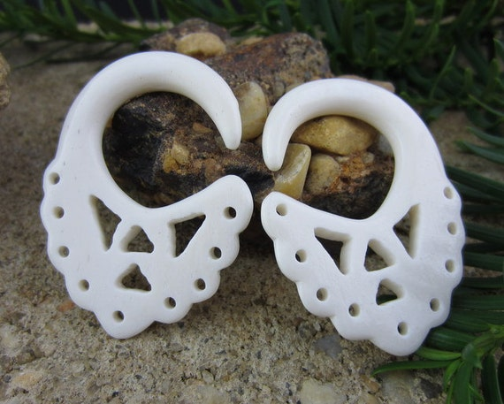 0g Tribal Ear Gauge Carved Buffalo Bone Organic Gauges Etsy