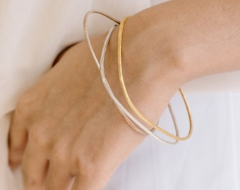 Triangular-shape handmade silver bangles in silver, rose and yellow gold finish (B0035mix)