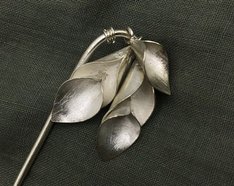 Handmade silver calla lily flower hairpin with silver stem (HP3)