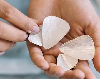 Handmade leaf-shape silver earrings studs (E0213)