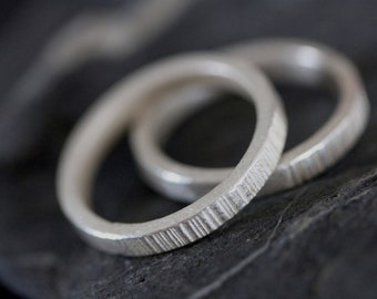 Handmade set of 2 stackable rings with chiseled pattern (R0047)