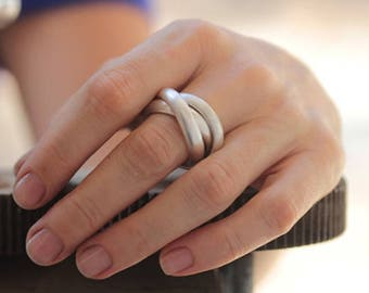 Handmade 3 Intertwined Rings in Silver wire with half-round profile (R0019A)