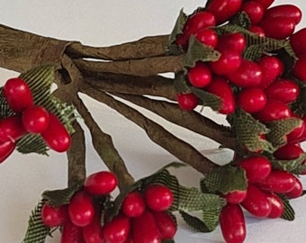 on wire for Christmas x 108 Artificial Burgundy Red Frosted Holly Berries 12mm