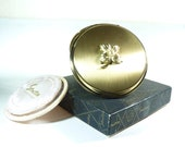 Unused vintage Stratton powder compact 1950s unused compact mirrors faux pearl