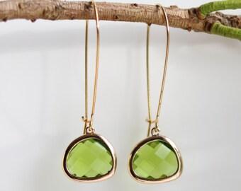 Peridot Earrings - Gold Dangle Earrings - Stone Earrings - Drop Earrings - Birthstone Earrings - Green Earrings  - Peridot Jewellery