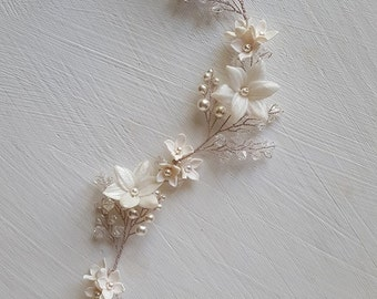 Gorgeous swarovski crystal and pearl bridal hair vine for weddings