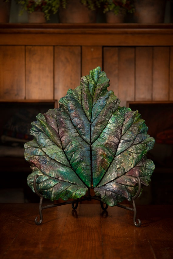 Merina – Medium Leaf Casting – Art From the Garden (stand included)